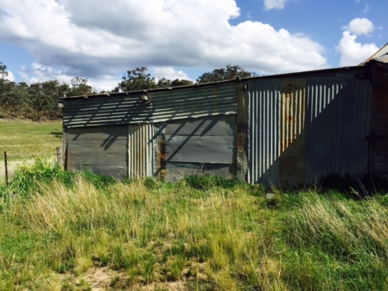 Shed near Bathurst turn-off